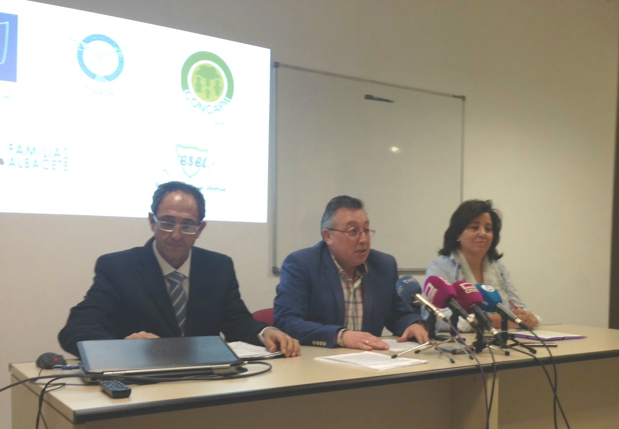 """CONCAPA no quiere la asignatura de """"Educación para la igualdad"""" del Gobierno de Castilla-La Mancha"""